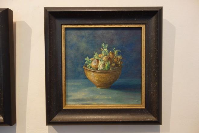 Kim Dewsbury, Hazelnuts in a Brown Pot