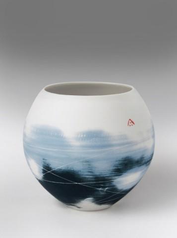 Ali Tomlin, Round vase, smudged blue & black