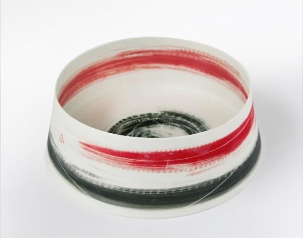 Ali Tomlin, Medium straight sided dish black & red