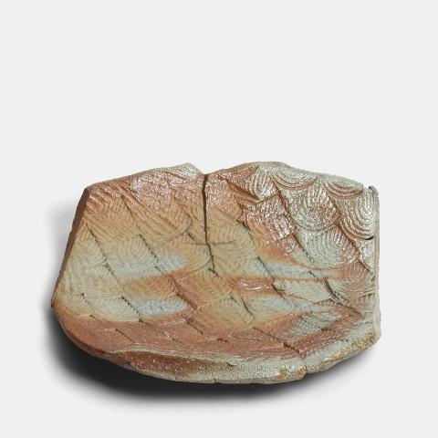 Kei Tanimoto, #020171  Feuerfarbene Platte mit Muster (iga kokumon hiiro-sara), Iga-Typ, 1995
