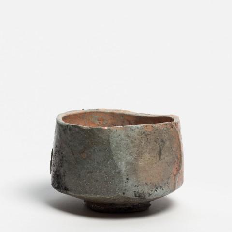 Kei Tanimoto, #020163  Bemalte rote Raku Teeschale (iga aka-raku tetsue chawan), Iga-Typ, 2013