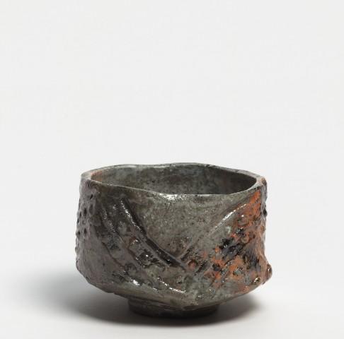 Kei Tanimoto, #020165  Bemalte rote Raku Teeschale (iga aka-raku tetsue chawan), Iga-Typ, 2013