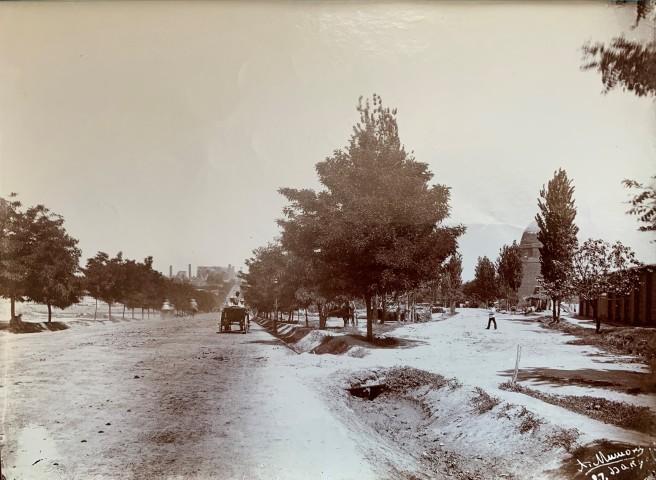 Alexander Mishon , Street scene in Baku, Late 19th Century, early 2oth Century