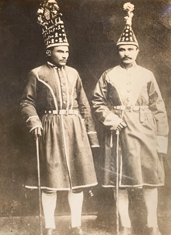 Antoin Sevruguin, Two Persian court runners (