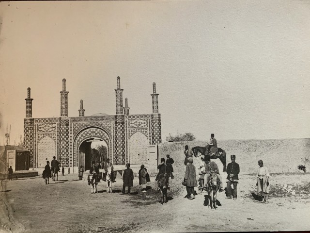 Antoin Sevruguin, Group by the Darvazeh Ghazvin Gate, Tehran, Late 19th Century