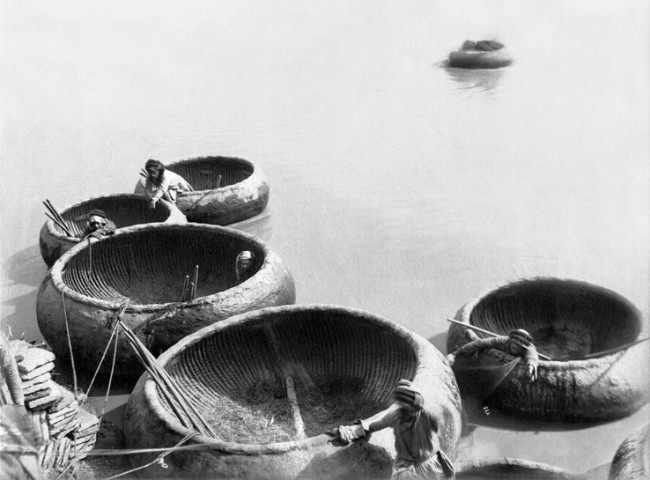 Antoin Sevruguin, Mesopotamian Quaint boats (Kufa) on the Tigris river, Late 19th Century