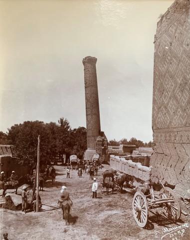 Alexander Mishon , A street scene in Baku, Late 19th Century, early 2oth Century