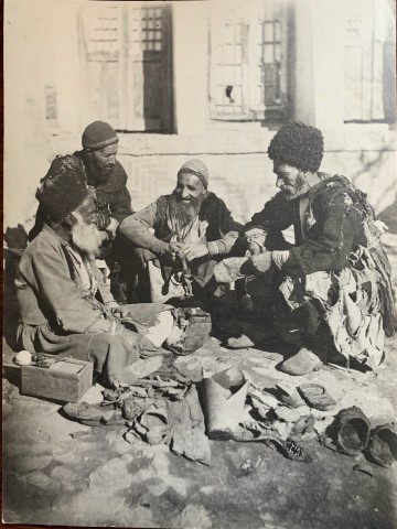 Antoin Sevruguin, A street cobbler, Late 19th Century