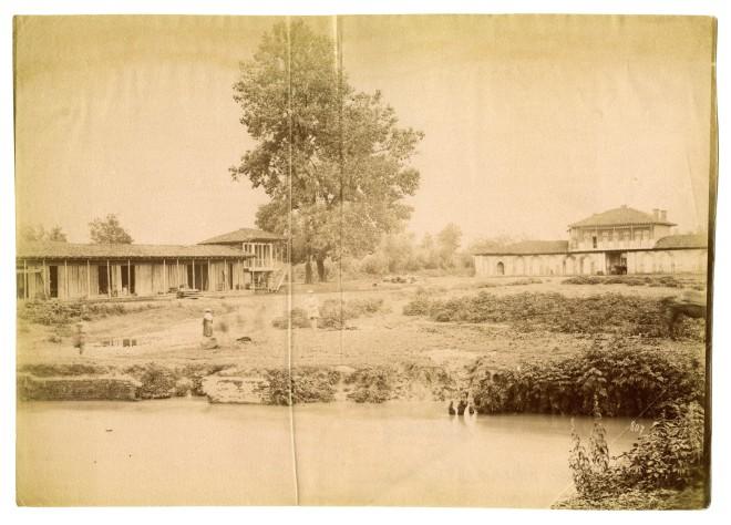 Antoin Sevruguin, Dushambabazar, route to Rasht, Late 19th Century