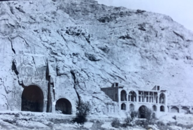 Not known, Taq-i-Bustan, Sassanian rock sculptures on the south side of the Bisutun mountain, Late 19th Century, Early 20th Century