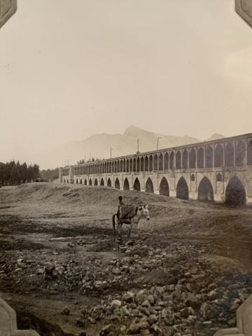 John Drinkwater, Pul-i-Khwaju bridge, Isfahan, 1934