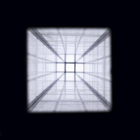 <p>Paul Pfeiffer<br />Vertical Corridor, 2004<br />metal, plexiglas and neon armature, mirror</p>