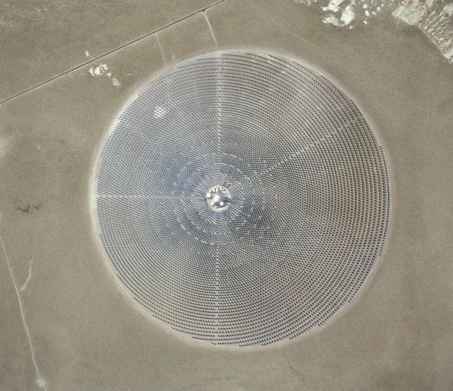 """<p><em>Solar Reserve (Tonopa, Nevada)<span class=""""s1"""">, 2014</span></em></p>"""