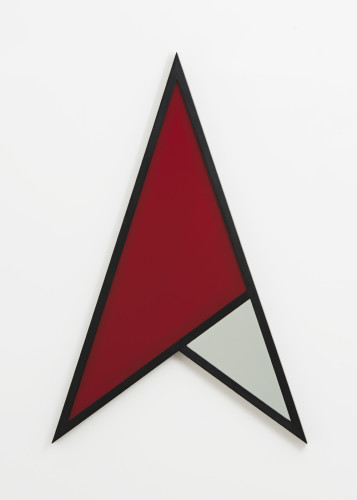 Robert Mapplethorpe  Arrow, 1983  Unique, coloured glass (red), wire mesh and wood  122 x 78.7 cms / 48 x 31 inches