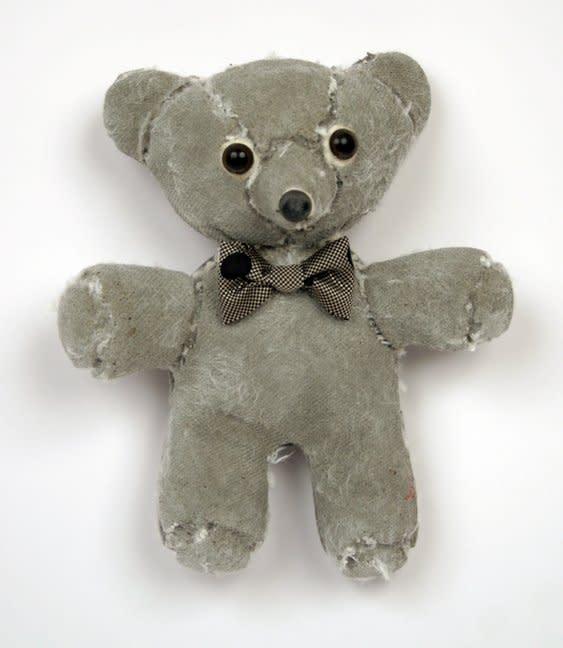 Ross Bonfanti, Hanging Teddy c451, 2013