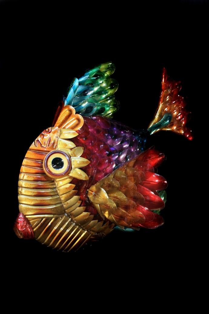 <div class=&#34;artist&#34;><strong>Edgardo Rodriguez</strong></div><div class=&#34;title&#34;><em>Fish</em>, 2014</div><div class=&#34;medium&#34;>recycled plastics</div><div class=&#34;dimensions&#34;>50 x 40 x 30 cm</div>