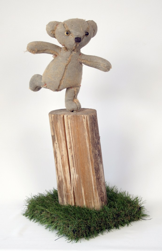 Ross Bonfanti, On a Log, 2014