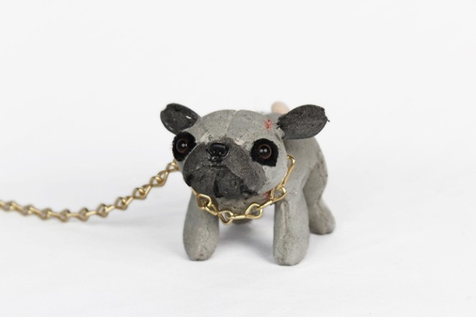 <div class=&#34;artist&#34;><strong>Ross Bonfanti</strong></div><div class=&#34;title&#34;><em>Pug c600</em>, 2016</div><div class=&#34;medium&#34;>concrete, toy parts and chain</div><div class=&#34;dimensions&#34;>10.2 x 12.7 x 17.8 cm<br>4 x 5 x 7 in</div>