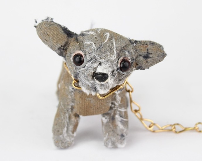 <div class=&#34;artist&#34;><strong>Ross Bonfanti</strong></div><div class=&#34;title&#34;><em>Puppy</em>, 2016</div><div class=&#34;medium&#34;><span>concrete, toy parts, enamel, steel chain</span><br /><span>10.2 x 10.2 x 10.2 cm</span><br /><span>4 x 4 x 4 in</span></div>