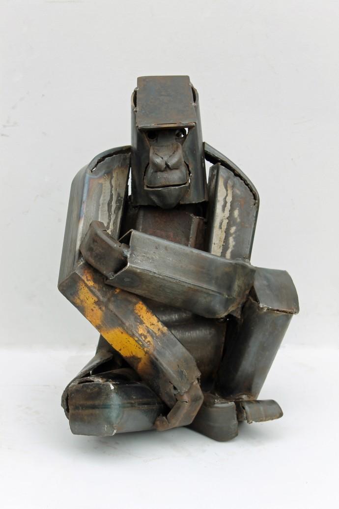 <div class=&#34;artist&#34;><strong>Iain Nutting</strong></div><div class=&#34;title&#34;><em>Seated Gorilla</em>, 2015</div><div class=&#34;medium&#34;>reclaimed scrap metal</div><div class=&#34;dimensions&#34;>43 x 32 x 27 cm<br>16 7/8 x 12 5/8 x 10 5/8 in</div>