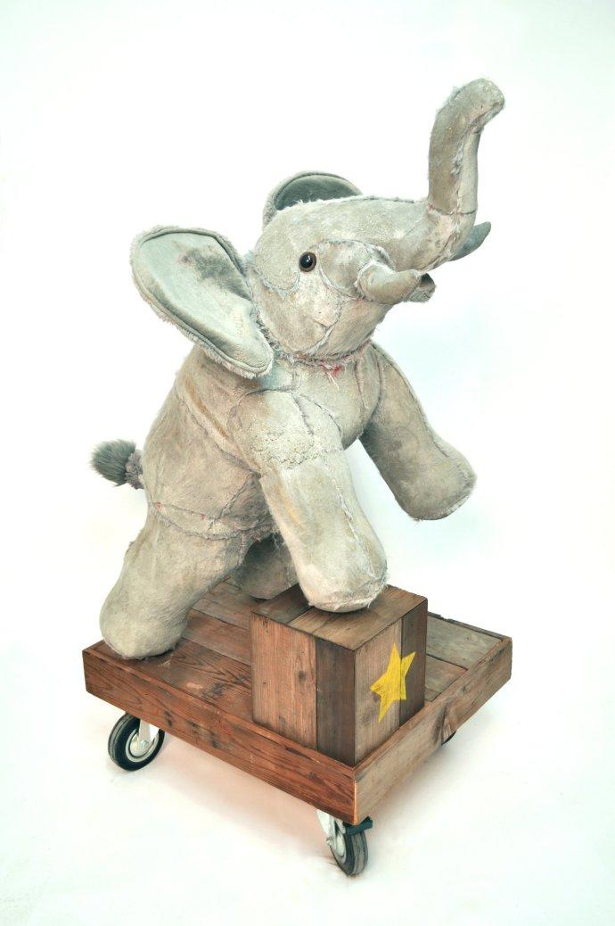 Ross Bonfanti, Elephant, 2013