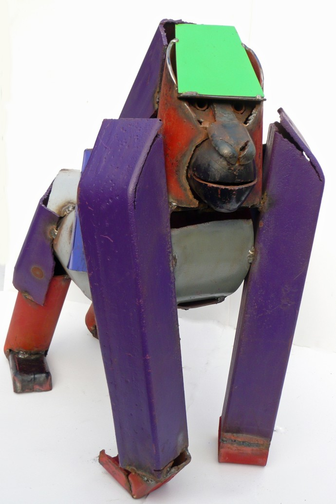 <p><b>Iain Nutting, </b><i>Gorilla</i>, 2015, reclaimed scrap metal, 26 3/8 x 26 3/8 x 13 3/4 in</p>