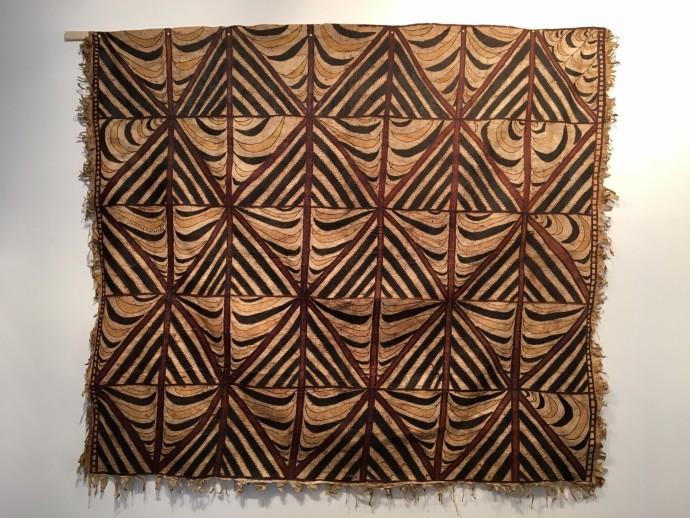 Siapo Mamanu, hand-painted Samoan tapa cloth, 205 x 234 cm, 80 3/4 x 92 1/8 in