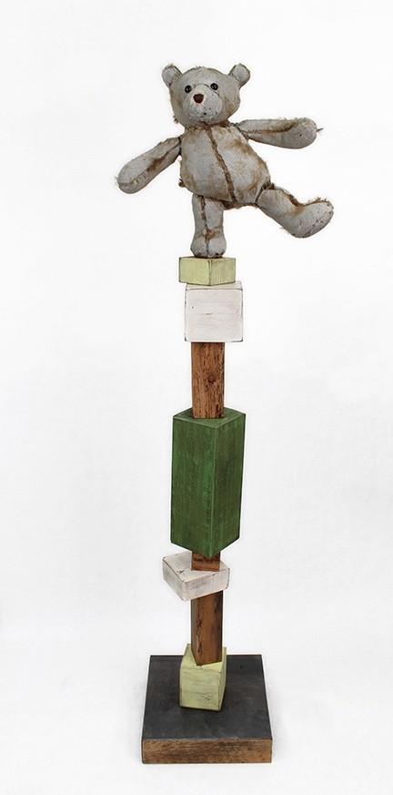 <div class=&#34;artist&#34;><strong>Ross Bonfanti</strong></div><div class=&#34;title&#34;><em>Balancing Act c617</em>, 2016</div><div class=&#34;medium&#34;>concrete, toy parts, steel, enamel and wood</div><div class=&#34;dimensions&#34;>152 x 31 x 31 cm<br>60 x 12 x 12 in</div>