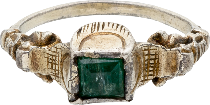 Renaissance-Style Ring with Emerald