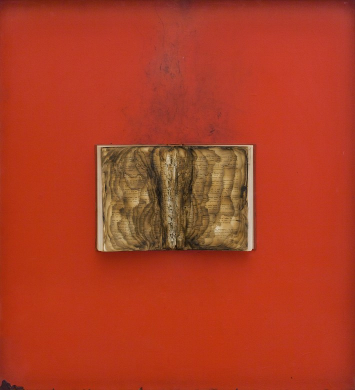 Bernard Aubertin, 1974, Livre brulé, 73x80cm, burnt book on board