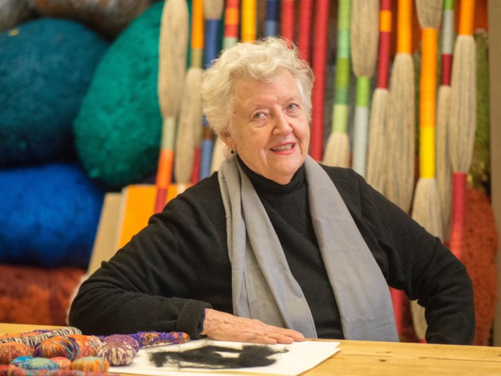 Sheila Hicks. Portrait by Cristobal Zanartu.