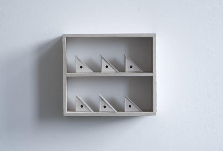 Dean Hughes, Triangular pieces (i), 2011