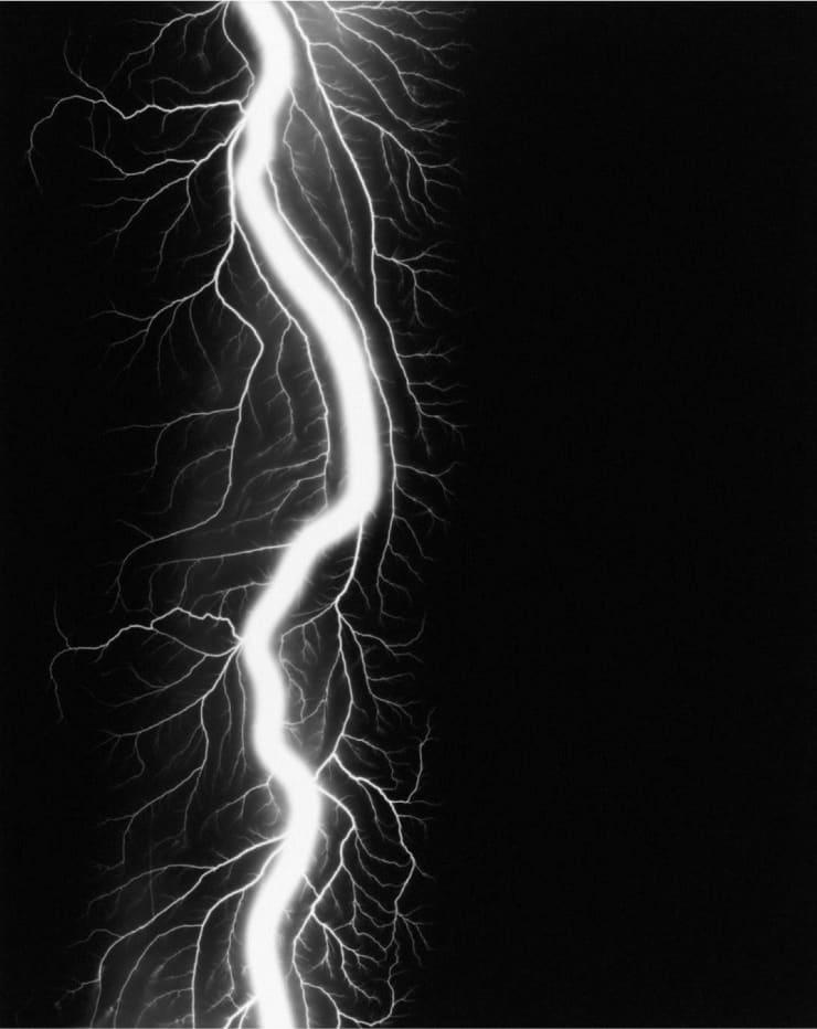 Hiroshi Sugimoto (1948), Lightning Fields 220, 2009