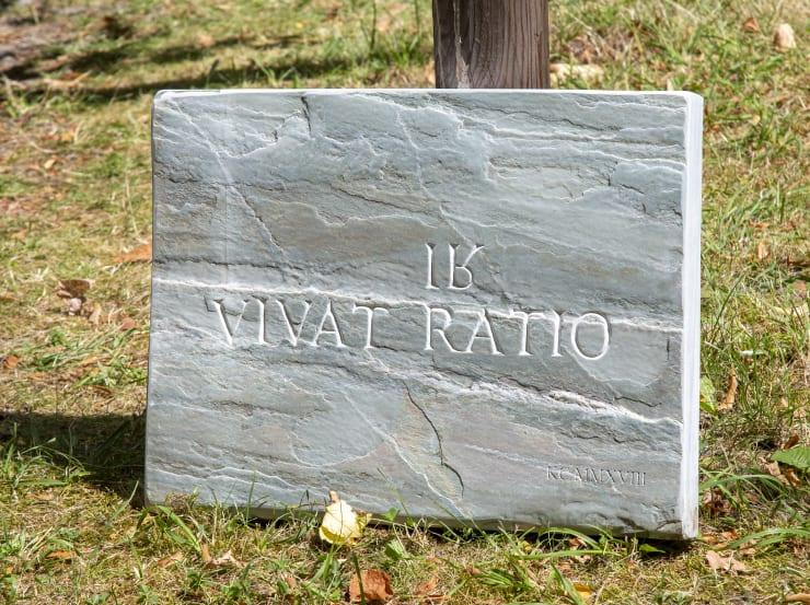 Katharina Cibulka Vivat Ratio / Irratio, 2018 Green serpentine, engraving 59 x 44 x 5 cm 2 + 1AP