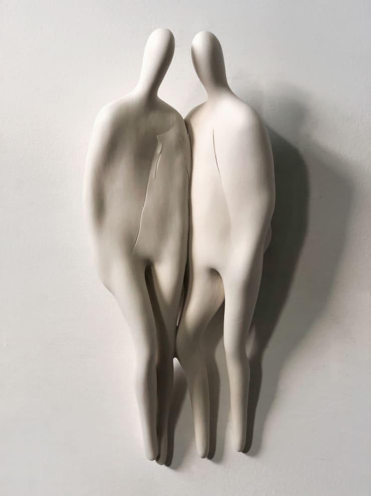 Emil Alzamora Firn Series (Facing), 2019 Porcelain 36 x 15 x 8 cm 14 x 6 x 3 in