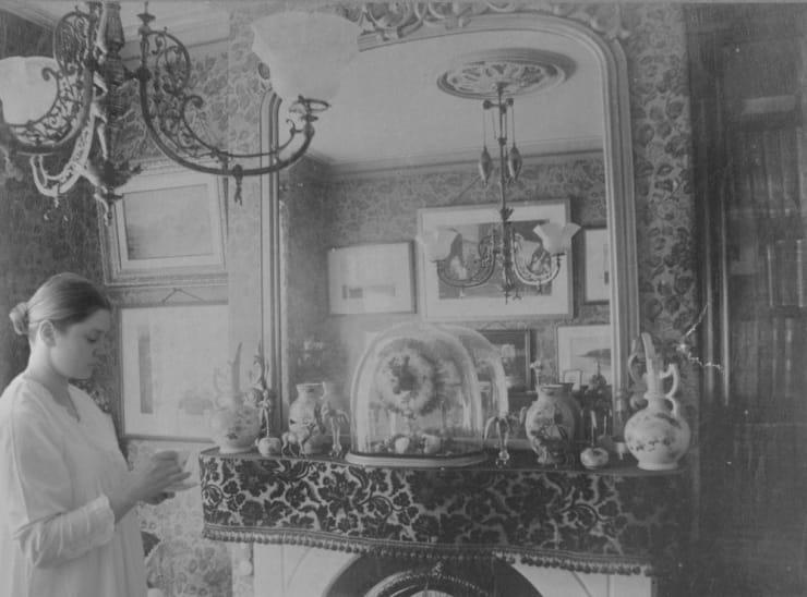 Catherine Bertola Flight of fancy (Manchester circa 1900) Interior 3, 2005
