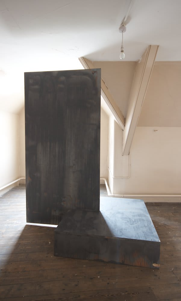 Mike Pratt, Floating Wall, 2011