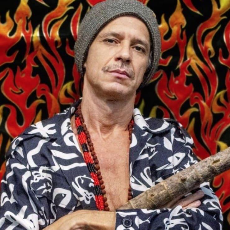Em live de seu ateliê, Cabelo apresenta 'Luz com trevas', seu primeiro álbum solo