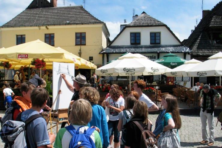 2010 06 Gerard Byrne Plein Air Sketching Kazimierz Dolny Poland Photo Credit Agata Byrne 2 1
