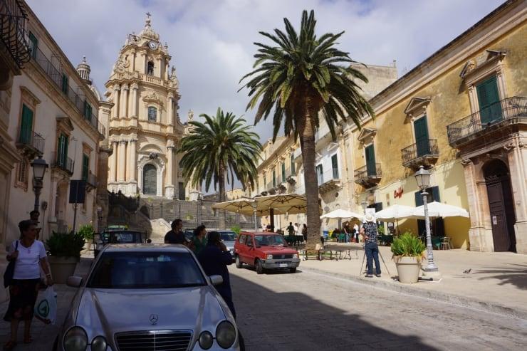 2013 10 10 Gerard Byrne Plein Air Painting Basilica Of Saint George Ragusa Sicily Photo Credit Agata Byrne 1