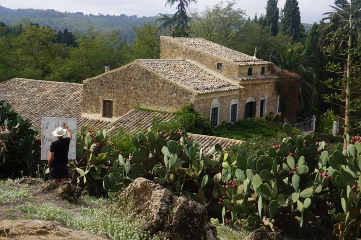 2013 10 13 Gerard Byrne Plein Air Painting Agriturismo Bannata Enna Sicily Photo Credit Agata Byrne 1