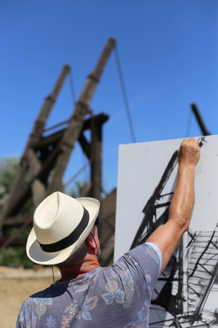 2015 08 06 Gerard Byrne Plein Air Sketching The Bridge Of Langlois Arles France Following Vincent Van Gogh Phot Credit Agata Byrne 2