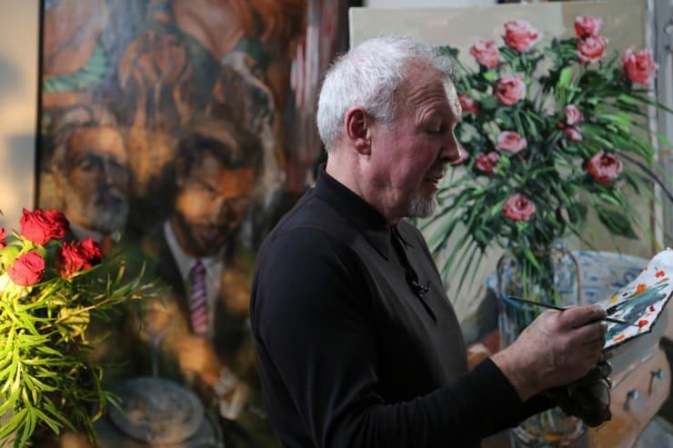 2016 02 21 Gerard Byrne Painting Roses By The Window Behind Scenes Kirsten Cavendish Film At Artist Studio Brighton Uk Photo Credit Agata Byrne 2