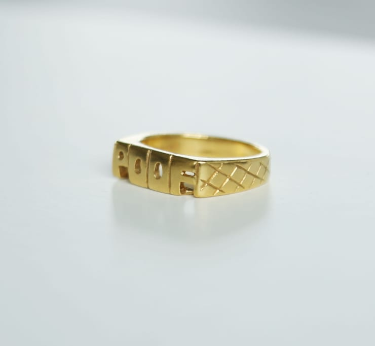 """TRACKIE MCLEOD'S """"CROSSMYLOOF"""" RING: CHARITY AUCTION"""