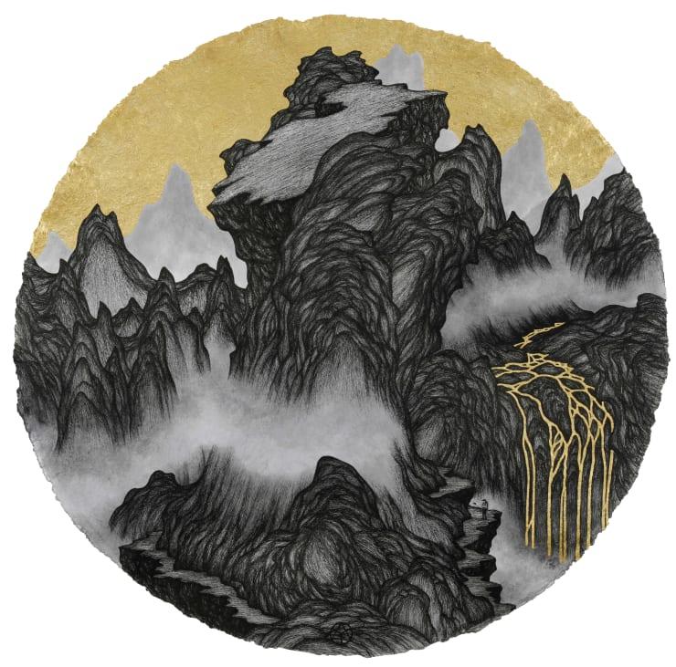姚瑞中 千巖萬壑:自拍圖, 2018 金箔.藝術筆.印度手工紙 110 × 110 cm