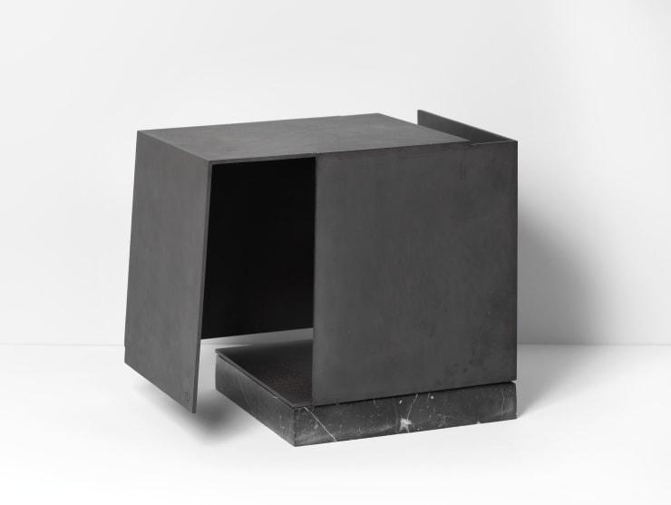 Caja metafísica por conjunción de dos triedros, por Jorge Oteiza, 1972-74.