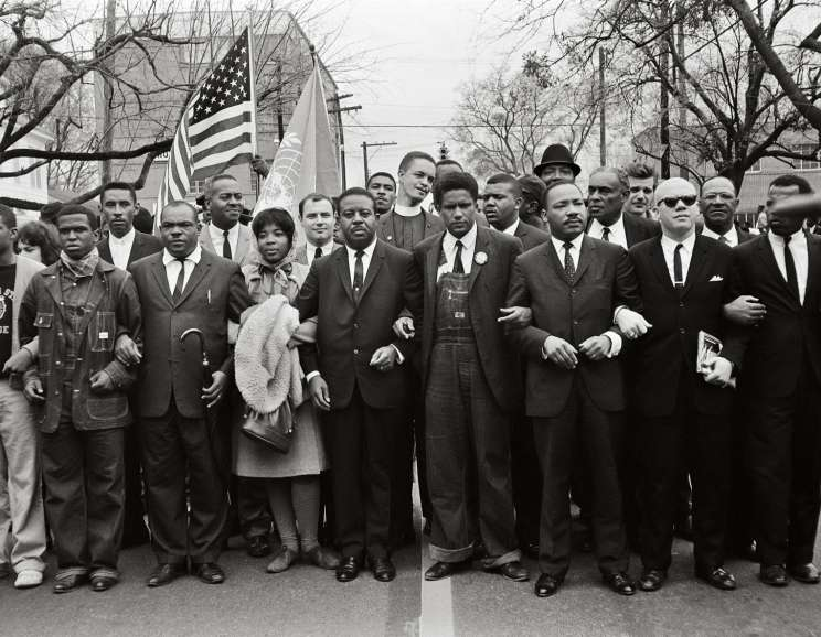 Steve Schapiro - Martin Luther King Jr. and Group Enter Montgomery, Black Suits