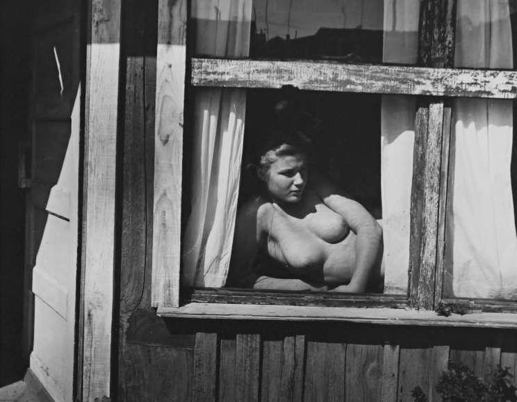 Wynn Bullock - Nude in Window