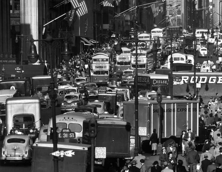 Andreas Feininger - Fifth Avenue looking north from 32nd St., NY