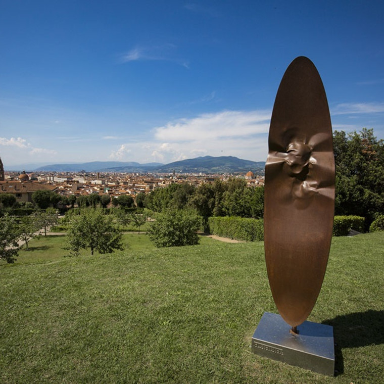 Exhibition of monumental sculptures by Helidon Xhixha opens at the Boboli Garden